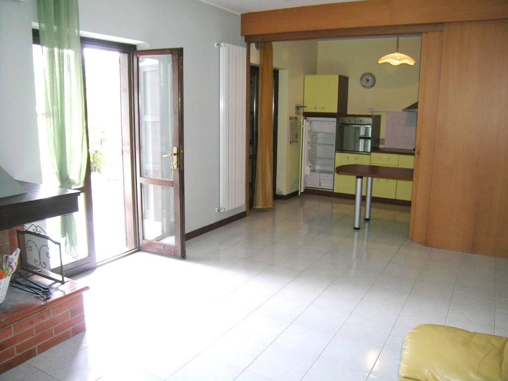 Appartamento in vendita a Castel di Sangro, 3 locali, zona Località: SEMICENTRO, prezzo € 110.000 | CambioCasa.it