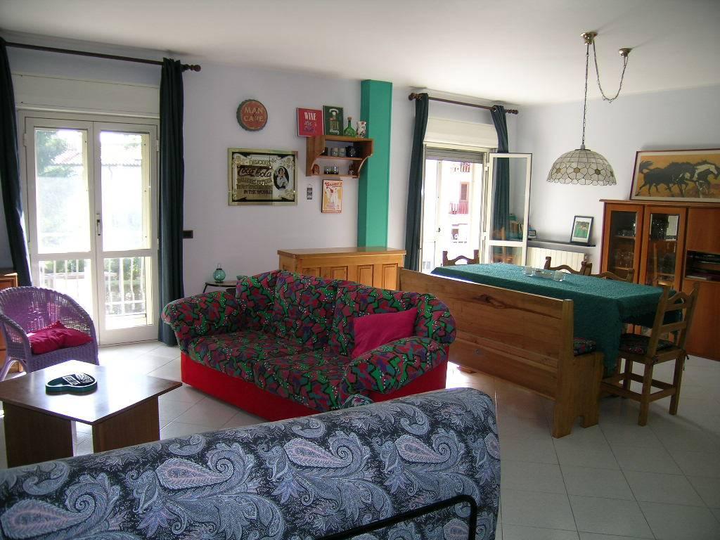 Appartamento in vendita a Castel di Sangro, 8 locali, zona Località: SEMICENTRO, prezzo € 265.000 | CambioCasa.it