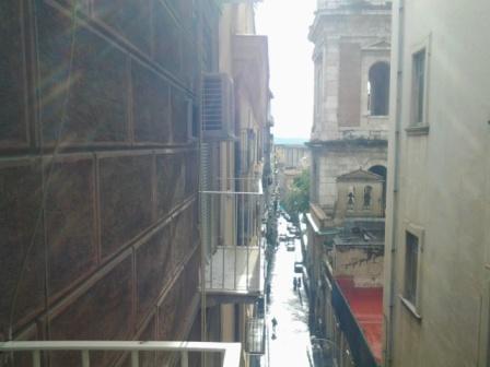 Quadrilocale in Via S. Maria Di Costantinopoli, San Lorenzo, Napoli