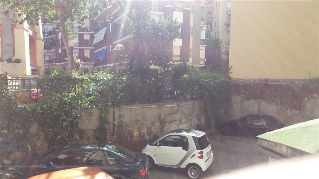 Trilocale in Salita Arenella, Arenella, Napoli