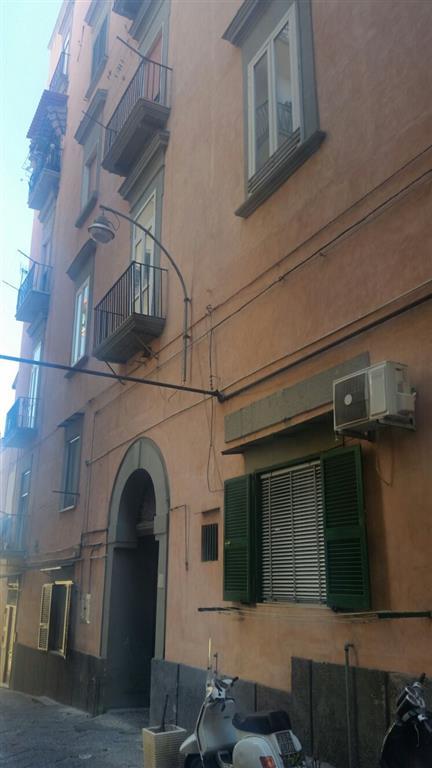 Bilocale, Stella, Napoli