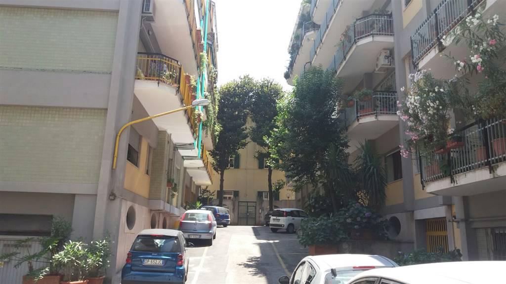 Appartamento a NAPOLI 6 Vani