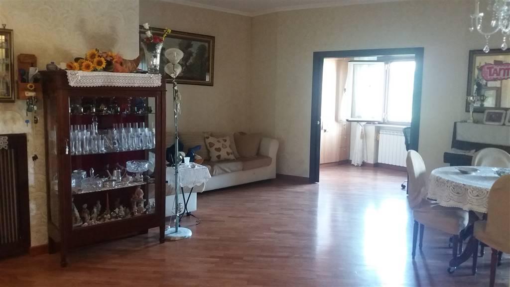 Appartamento a NAPOLI 4,5 Vani