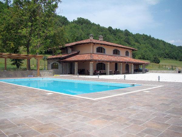 Villa vendita PRIERO (CN) - 7 LOCALI - 550 MQ