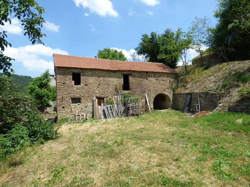 Annunci immobiliari di rustici casali piemonte rustico - Ristrutturare casale in pietra ...