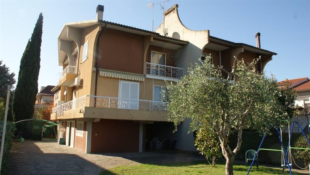 Villa Bifamiliare in vendita a Grosseto, 10 locali, zona Località: REGIONI, prezzo € 600.000 | Cambio Casa.it