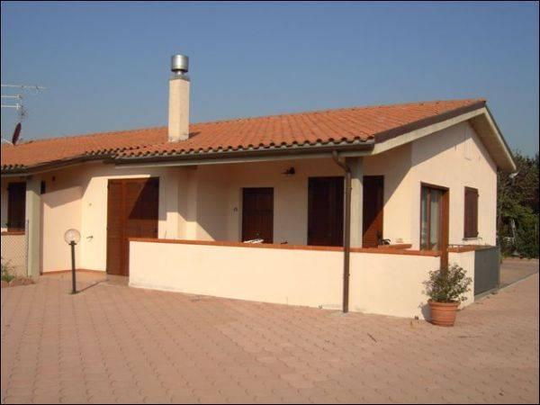 Villa a Schiera in affitto a Grosseto, 4 locali, zona Località: CASALECCI, prezzo € 850 | CambioCasa.it