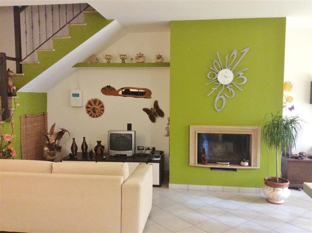 Soluzione Indipendente in vendita a Castiglione in Teverina, 5 locali, prezzo € 185.000 | Cambio Casa.it