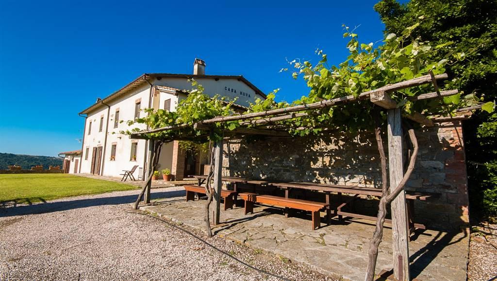 Rustico / Casale in vendita a Scansano, 15 locali, zona Zona: Polveraia, Trattative riservate | CambioCasa.it