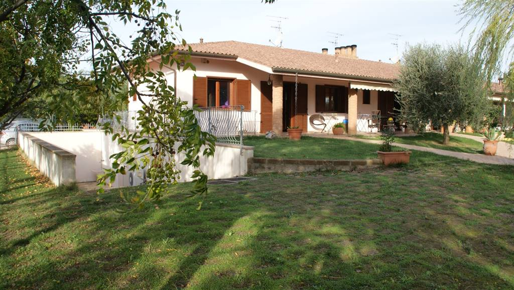 Soluzione Indipendente in vendita a Roccastrada, 2 locali, zona Località: STICCIANO SCALO, prezzo € 110.000 | CambioCasa.it