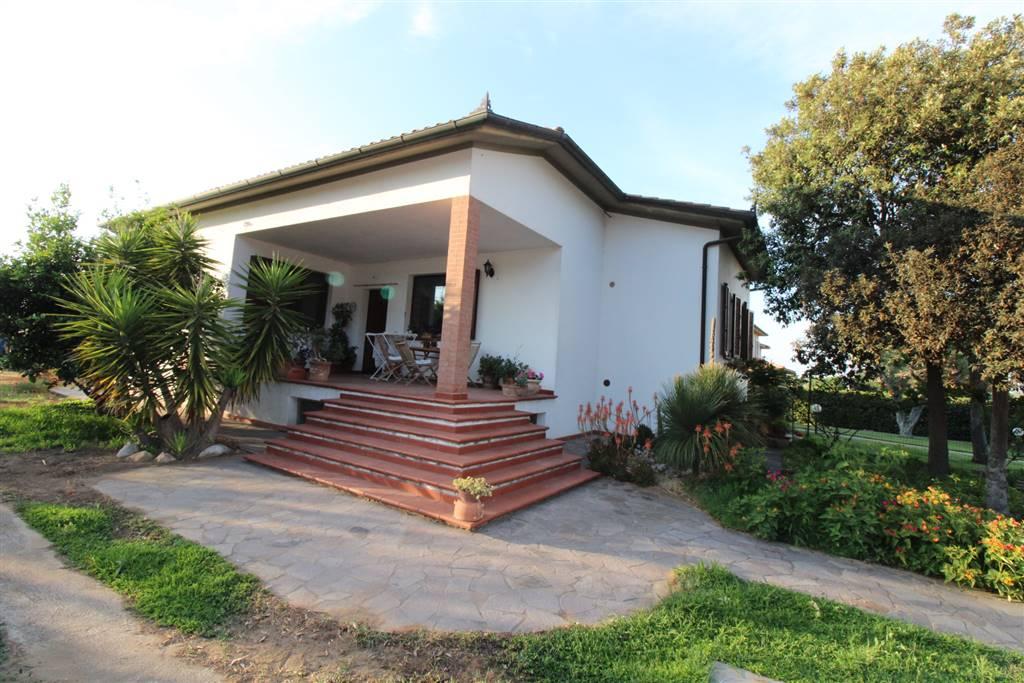 Villa Bifamiliare in vendita a Grosseto, 5 locali, zona Zona: Marina di Grosseto, prezzo € 320.000 | CambioCasa.it