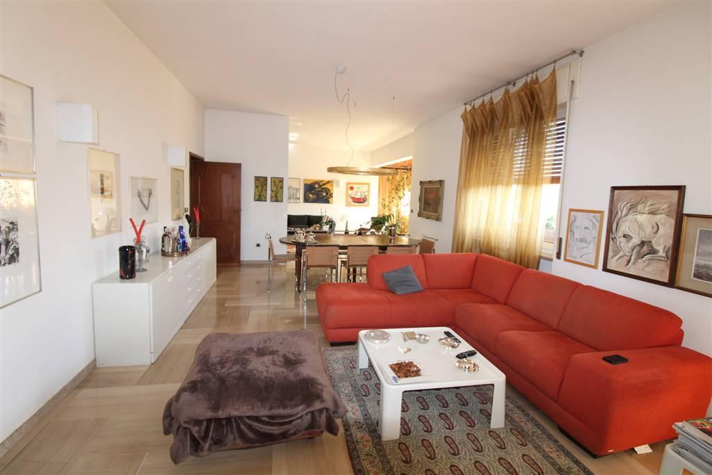 Villa Bifamiliare in vendita a Grosseto, 10 locali, zona Località: STADIO, prezzo € 750.000 | CambioCasa.it
