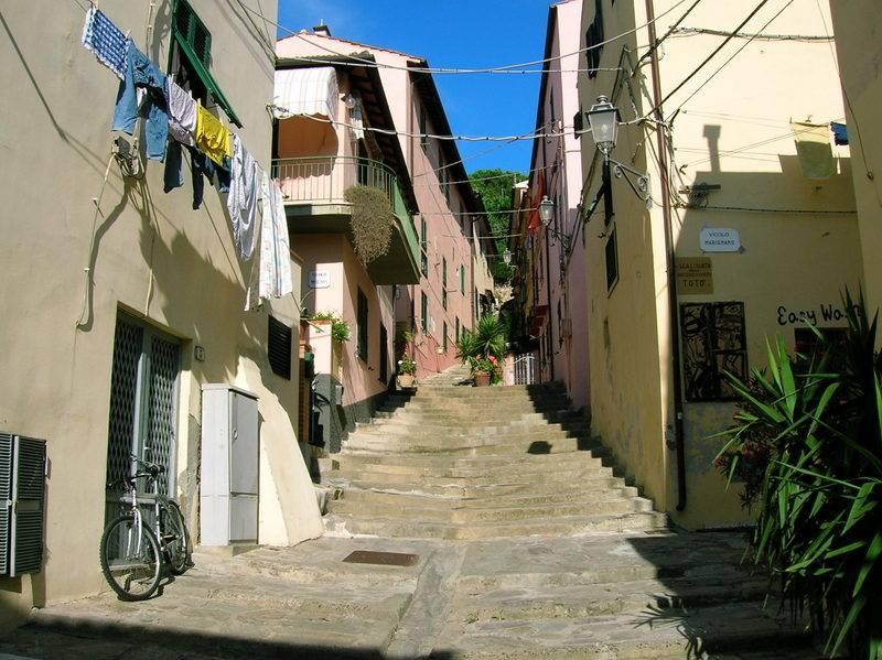 Appartamento in vendita a Porto Azzurro, 4 locali, prezzo € 180.000 | CambioCasa.it