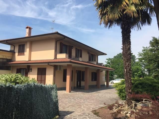 Case travaco 39 siccomario compro casa travaco 39 siccomario for Cabine in affitto nel parco invernale colorado