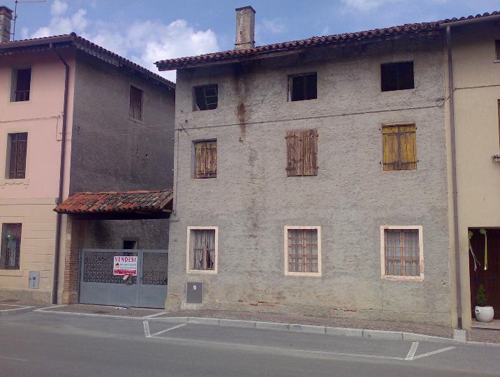 Rustico / Casale in vendita a Lestizza, 4 locali, zona Zona: Galleriano, prezzo € 33.000 | Cambio Casa.it