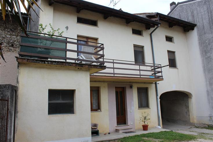 Soluzione Semindipendente in vendita a Mereto di Tomba, 5 locali, prezzo € 99.000 | Cambio Casa.it