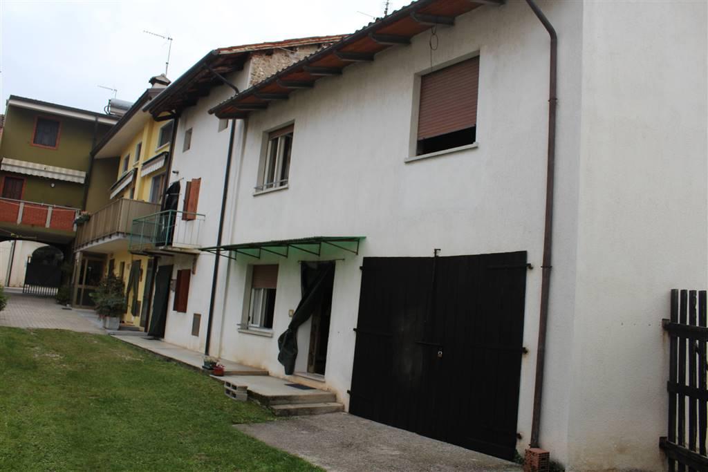 Soluzione Semindipendente in vendita a Pozzuolo del Friuli, 5 locali, prezzo € 75.000   Cambio Casa.it