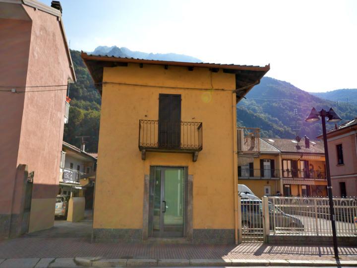 Ufficio / Studio in affitto a Omegna, 9999 locali, prezzo € 1.000 | CambioCasa.it