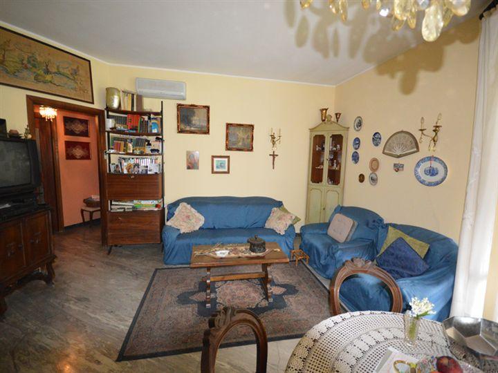 Appartamento in vendita a Omegna, 4 locali, prezzo € 200.000 | Cambio Casa.it