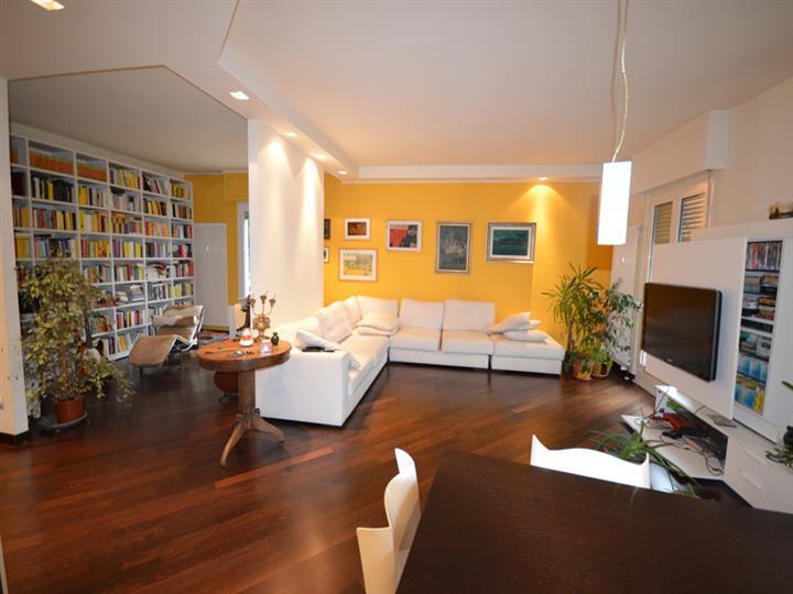 Appartamento in vendita a Omegna, 2 locali, prezzo € 235.000 | Cambio Casa.it