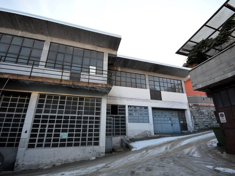 Magazzino in vendita a Omegna, 9999 locali, zona Zona: Crusinallo, prezzo € 140.000 | Cambio Casa.it