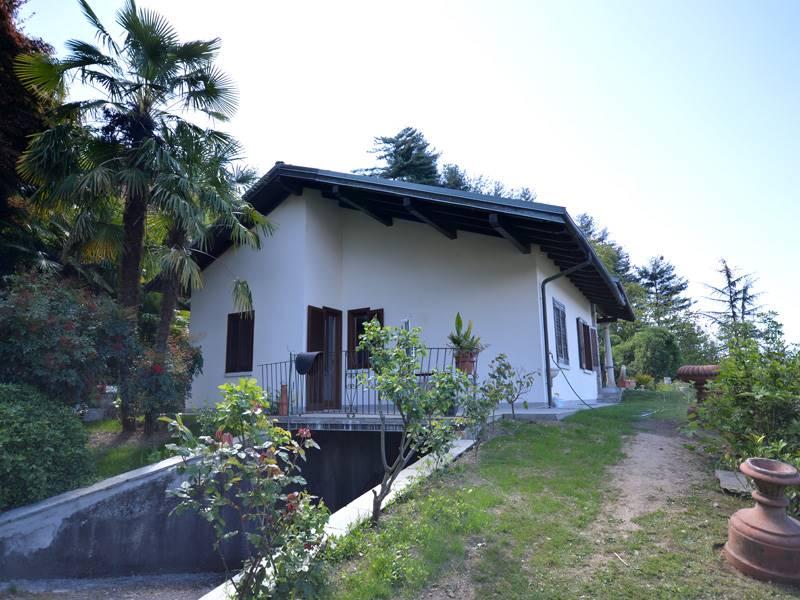 Villa in vendita a Orta San Giulio, 5 locali, prezzo € 1.660.000 | CambioCasa.it