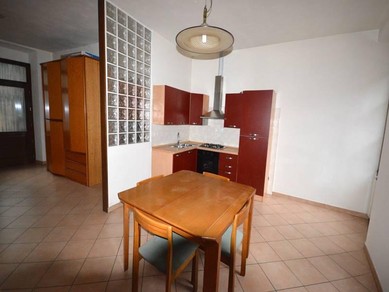 Appartamento in affitto a Omegna, 1 locali, prezzo € 300 | CambioCasa.it