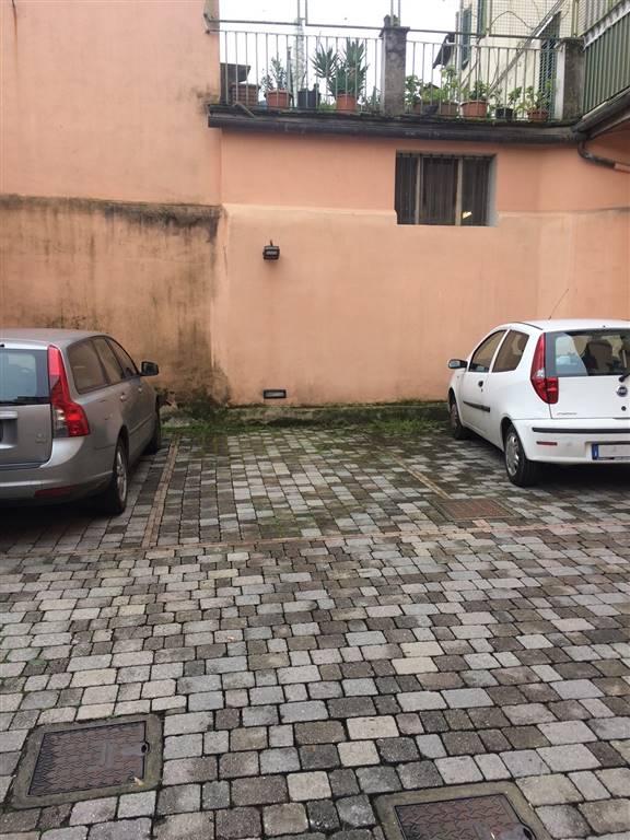 garage-Box-posto auto  in Affitto a Pistoia