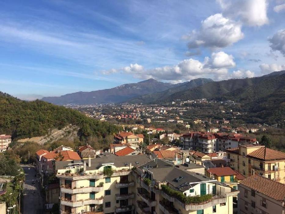 Appartamento in vendita a Pellezzano, 5 locali, zona Zona: Coperchia, prezzo € 195.000 | CambioCasa.it