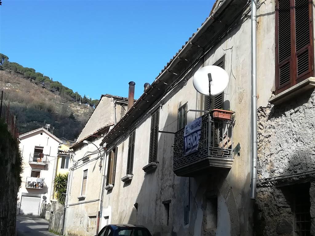 Appartamento in affitto a Pellezzano, 4 locali, zona Zona: Coperchia, prezzo € 350 | CambioCasa.it