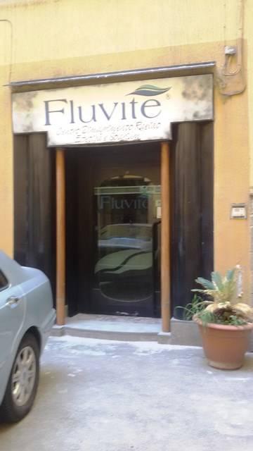 Attività / Licenza in affitto a Salerno, 9999 locali, zona Zona: Centro, prezzo € 1.500 | CambioCasa.it