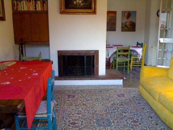 Villa in vendita a Serravalle Pistoiese, 5 locali, zona Zona: Casalguidi, prezzo € 270.000 | CambioCasa.it