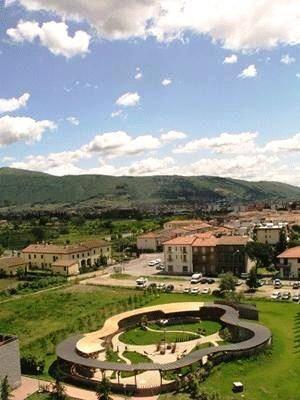 Soluzione Indipendente in affitto a Prato, 9 locali, zona Zona: Narnali, prezzo € 2.400 | CambioCasa.it