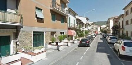 magazzino-deposito  in Affitto a Prato