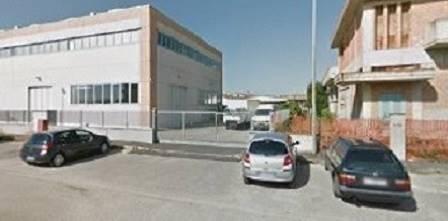 Capannone in affitto a Agliana, 2 locali, zona Zona: Spedalino, prezzo € 3.000 | CambioCasa.it