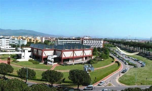 Soluzione Indipendente in affitto a Prato, 6 locali, zona Zona: Periferia, prezzo € 1.100 | CambioCasa.it