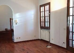 Soluzione Indipendente in affitto a Agliana, 4 locali, zona Zona: San Niccolò, prezzo € 850 | CambioCasa.it