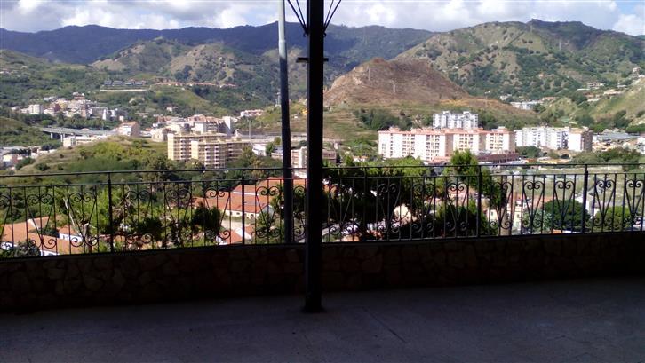 Appartamento in affitto a Messina, 3 locali, prezzo € 400 | Cambio Casa.it