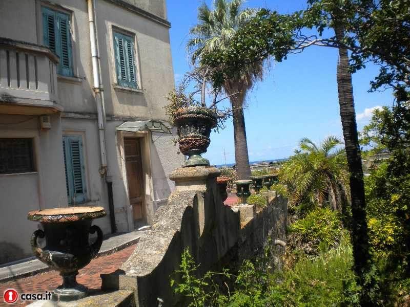 Villa in vendita a Barcellona Pozzo di Gotto, 18 locali, Trattative riservate | Cambio Casa.it