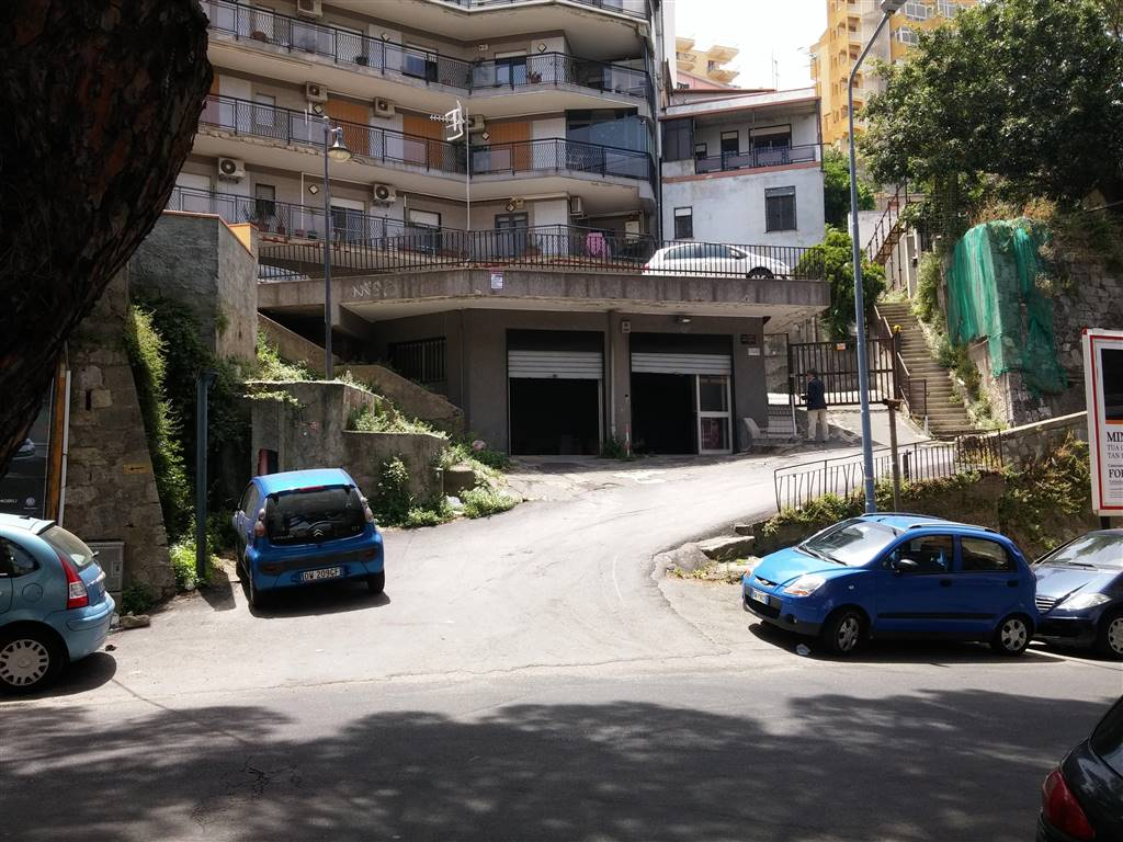 Magazzino in vendita a Messina, 9999 locali, zona Zona: Centro, prezzo € 190.000   Cambio Casa.it