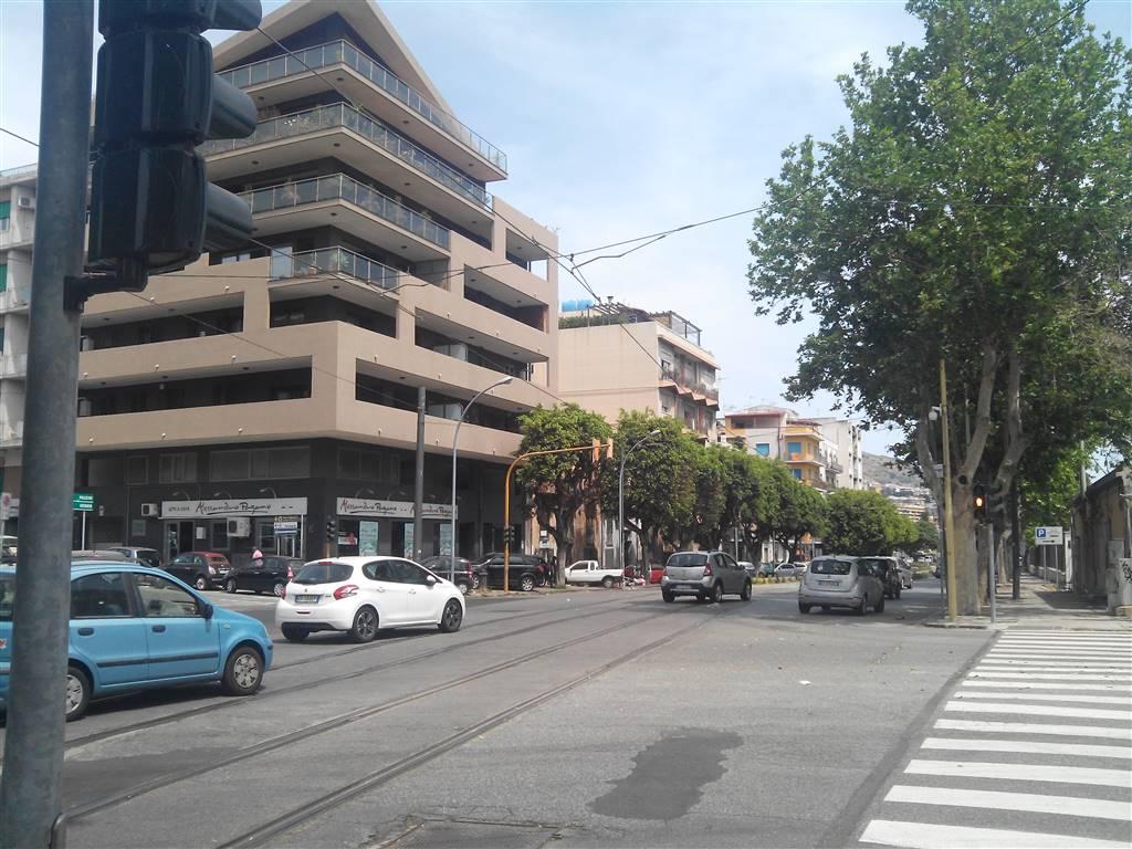 Negozio / Locale in affitto a Messina, 1 locali, zona Zona: V.le Libertà, prezzo € 400 | CambioCasa.it