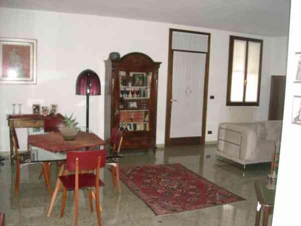 Soluzione Indipendente in vendita a San Donà di Piave, 5 locali, prezzo € 390.000 | Cambio Casa.it