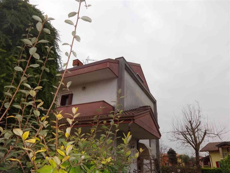 Villa Bifamiliare in vendita a Santo Stino di Livenza, 7 locali, zona Zona: La Salute di Livenza, prezzo € 129.000 | Cambio Casa.it