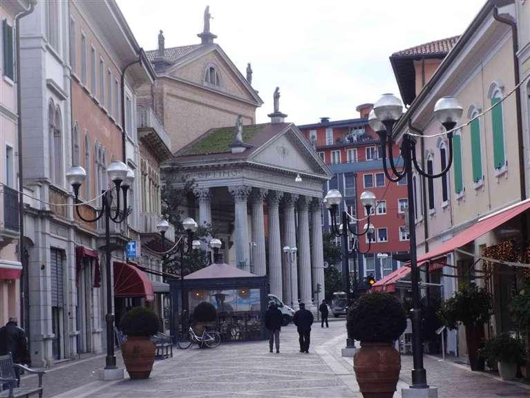 Palazzo-stabile Vendita San Dona' Di Piave
