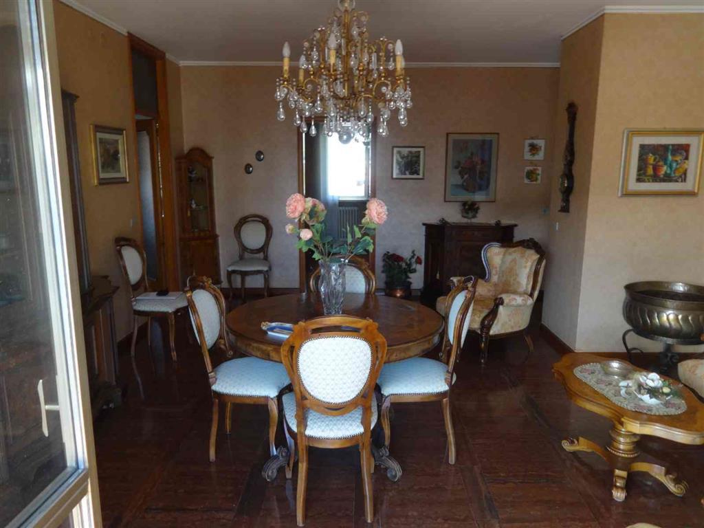Appartamento in vendita a San Donà di Piave, 5 locali, prezzo € 160.000 | Cambio Casa.it