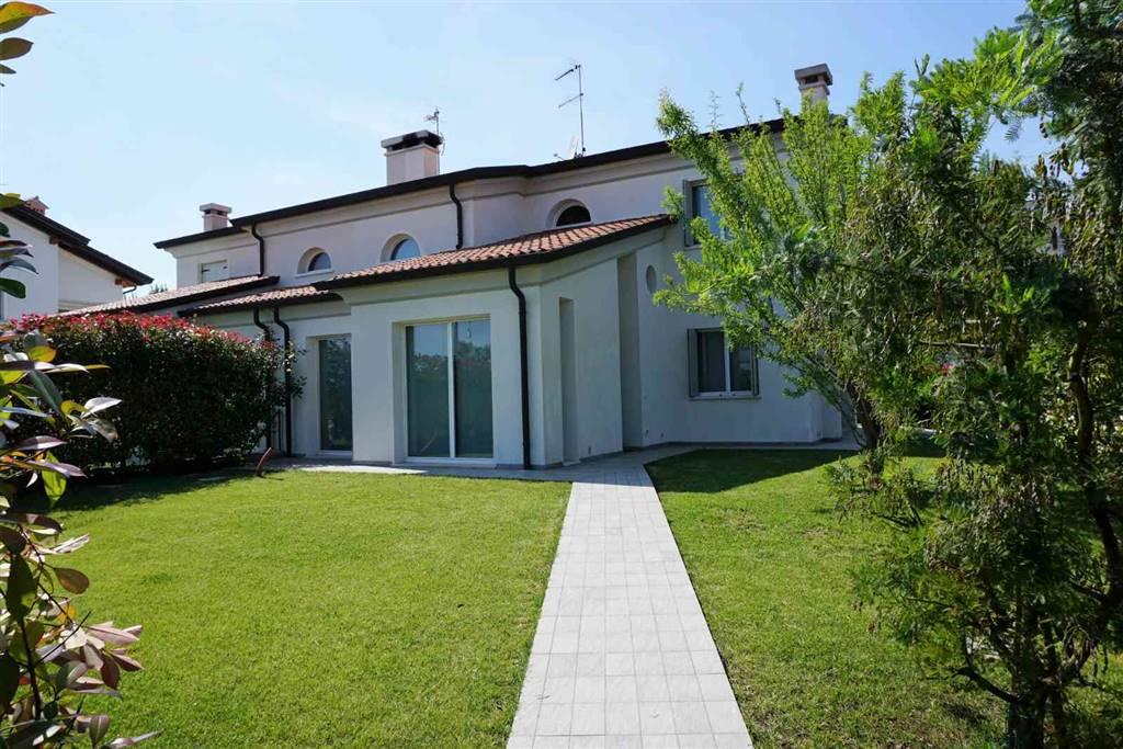 Villa Bifamiliare in vendita a Torre di Mosto, 7 locali, prezzo € 270.000 | CambioCasa.it