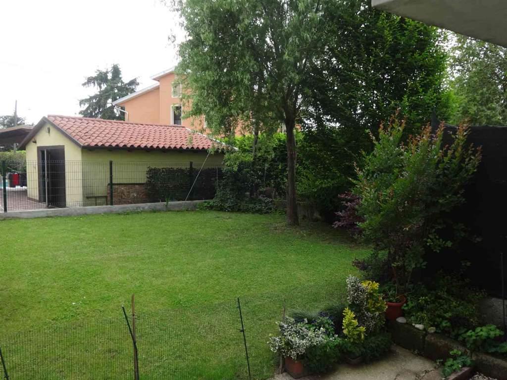 Soluzione Indipendente in vendita a San Donà di Piave, 10 locali, zona Zona: Calvecchia, prezzo € 195.000 | Cambio Casa.it