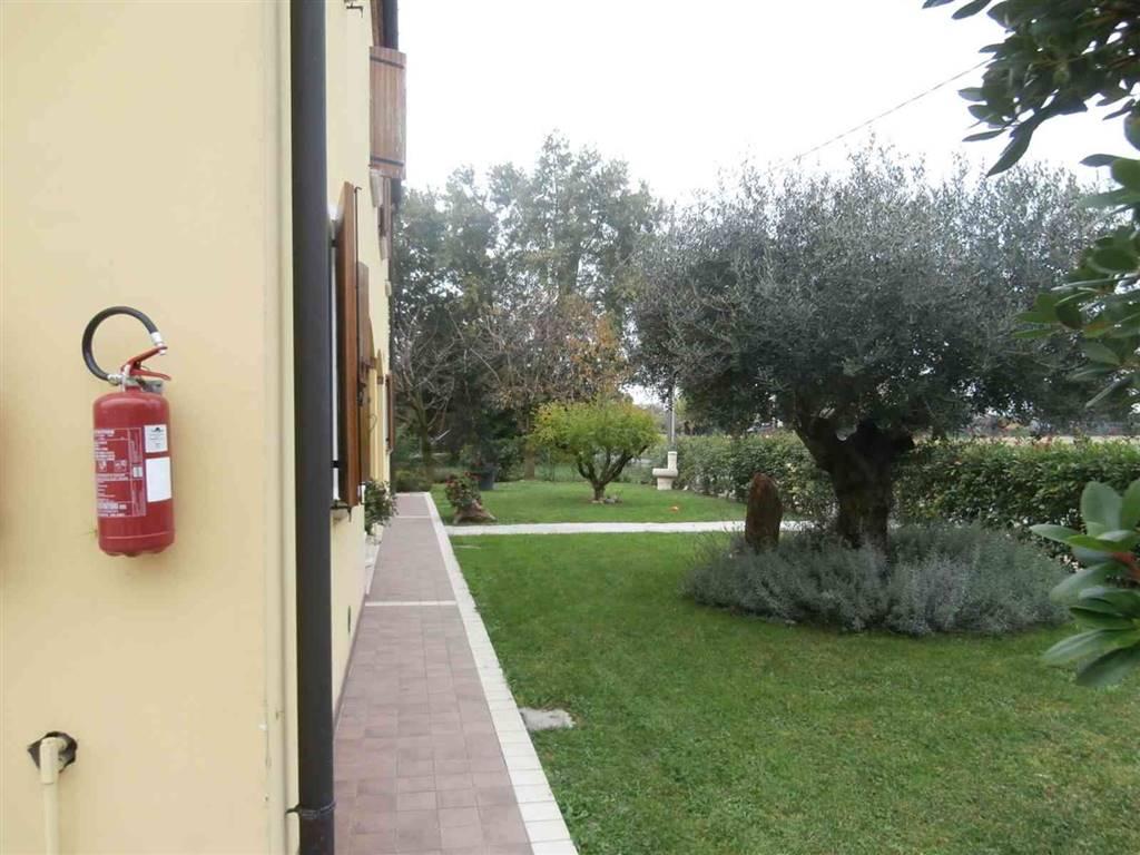 Soluzione Indipendente in vendita a San Donà di Piave, 9 locali, prezzo € 349.000 | Cambio Casa.it