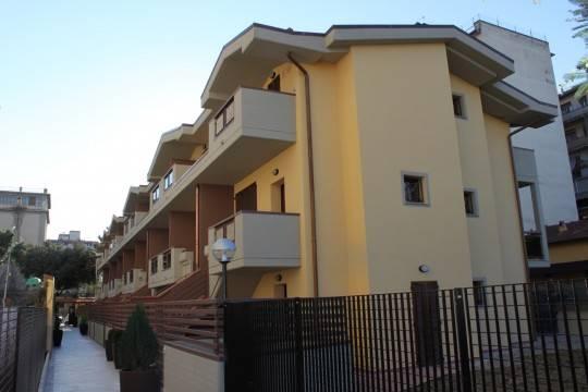 Soluzione Indipendente in vendita a Firenze, 4 locali, zona Località: DALMAZIA, prezzo € 395.000 | Cambio Casa.it
