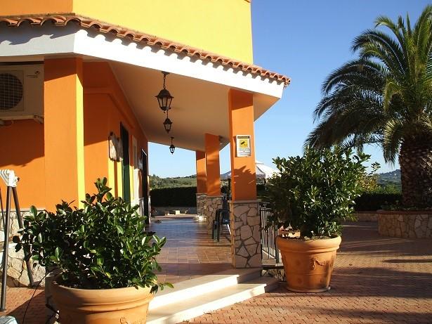 Villa Bifamiliare in vendita a San Cataldo, 6 locali, prezzo € 410.000 | Cambio Casa.it
